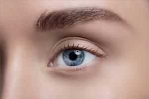 Oberlidstraffung / Blepharoplastik ist die beliebteste Schönheitsoperation in Deutschland 2017 (VDÄPC)